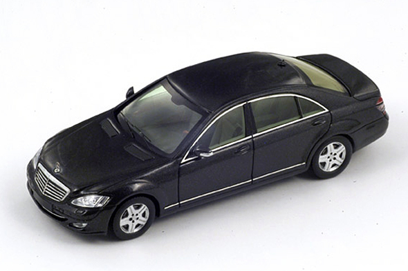 Spark 1/43 Mercedes W221 S Klass 2012 Met. Grey